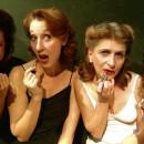 Signorinette – le donne si guardino dal lasciar tracce di rossetto sulle schede